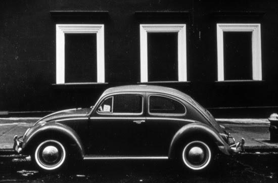 VW Bug by Len Speler